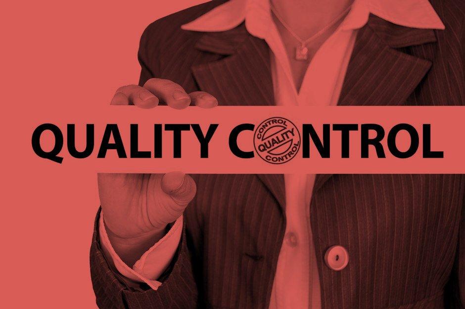 Business Frau Anzug Quality Control